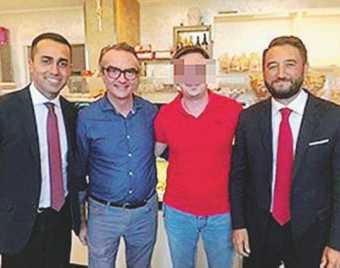 """Mafia: preso Giuseppe Corona, barista e """"re del riciclaggio"""". Postava foto di  Di Maio nel locale"""