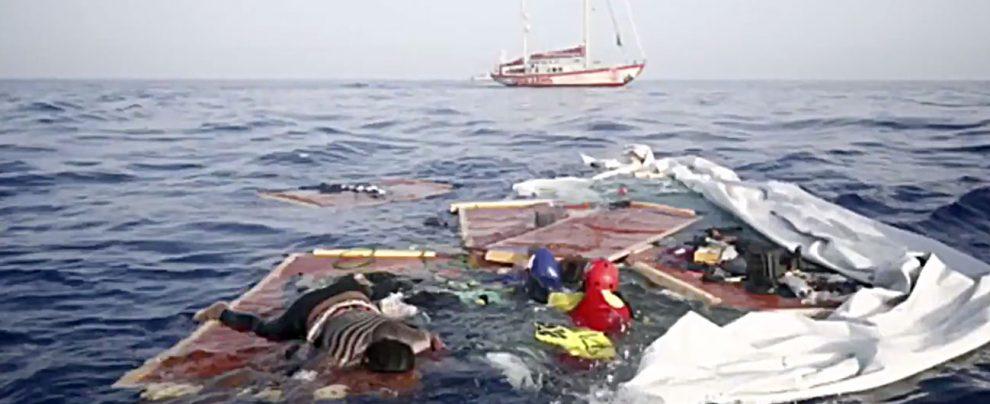 """Migranti, i libici: """"Madre e bimbo erano già morti. In acqua non c'era nessun altro"""". Palazzotto: """"Salvini si scusi"""""""