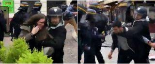 Francia, picchiò manifestanti a Parigi vestito da agente: indagato collaboratore di Macron
