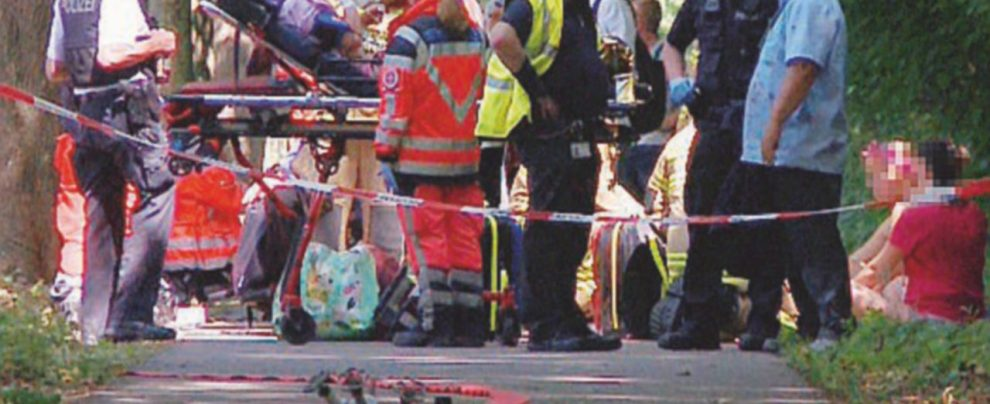 Germania, tira fuori coltello e ferisce nove persone sul bus