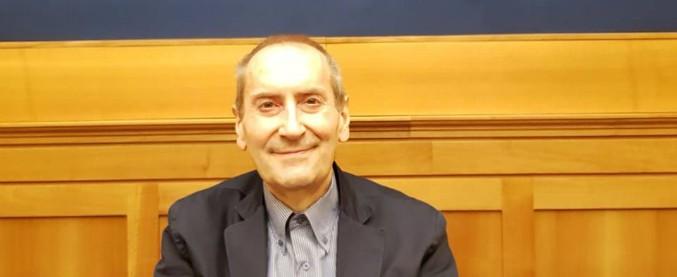 """Franco Grillini: """"Ho un tumore, con il taglio dei vitalizi non potrò pagarmi l'assistenza"""". Appelli in suo sostegno"""