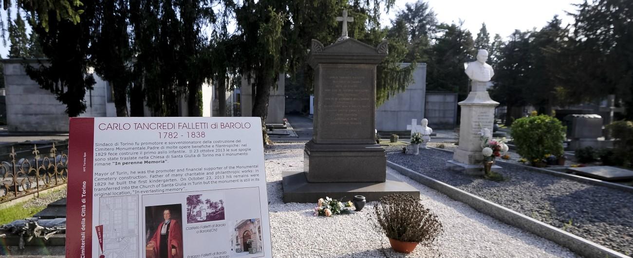 Migranti, a Torino la tomba dei nobili per la nigeriana morta durante il parto dopo che fu respinta dai gendarmi francesi