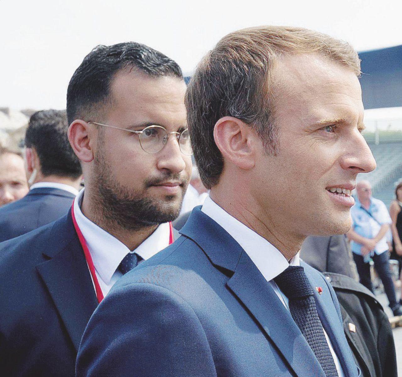 L'ennesima bugia: Macron alla parata con il picchiatore