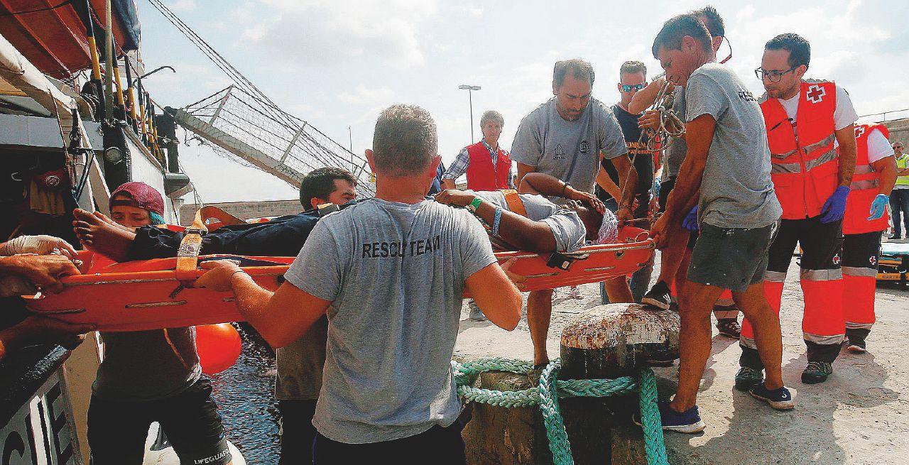 """Migranti, la confessione dei libici: """"Primo soccorso in mare? Non siamo addestrati"""""""