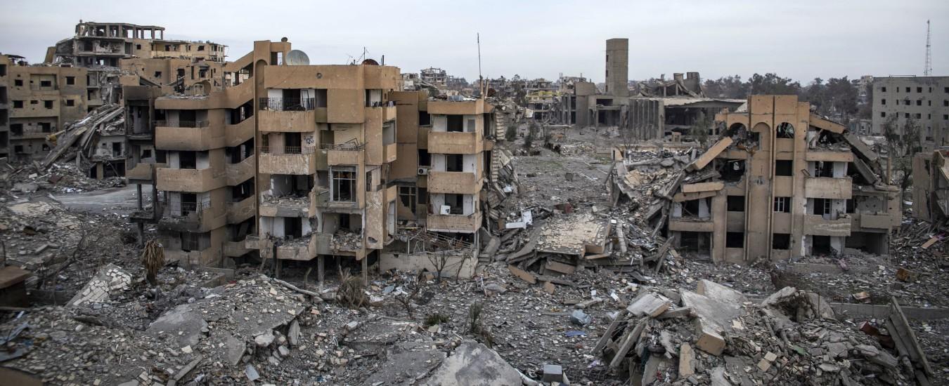 Siria, nuove rivelazioni su Raqqa: morti sotto le bombe della coalizione Usa 1600 civili