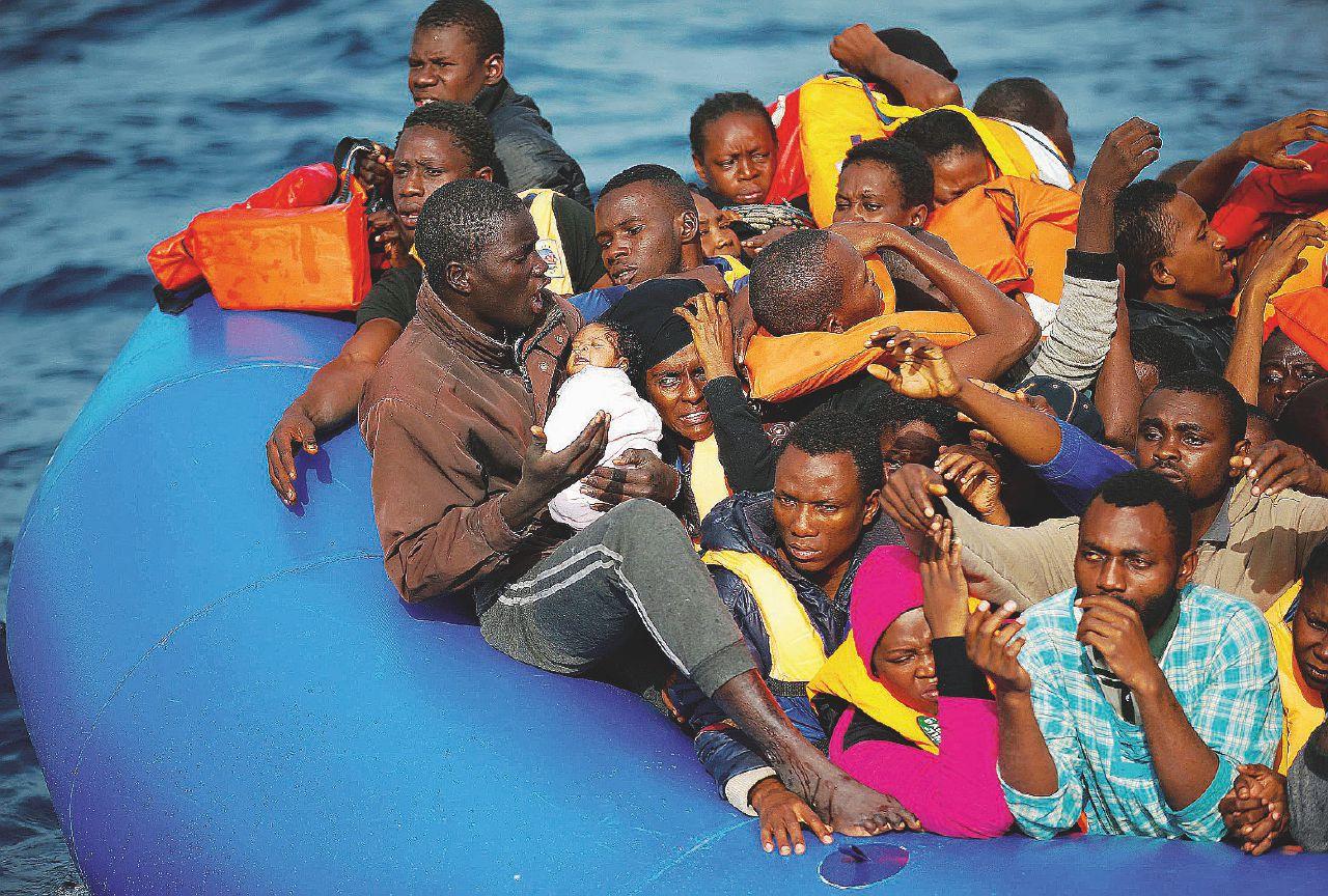 In Edicola sul Fatto. Migranti: meno morti del 2017, ma a giugno sono di più
