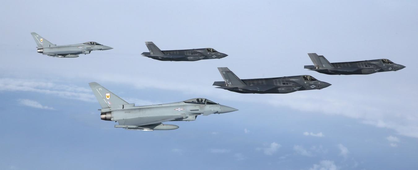 Dobbiamo lasciare l'Afghanistan e fermare l'acquisto di F35