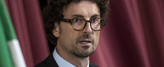 Danilo Toninelli vuole 'migliorare' la Tav, M5s prima no poi sì