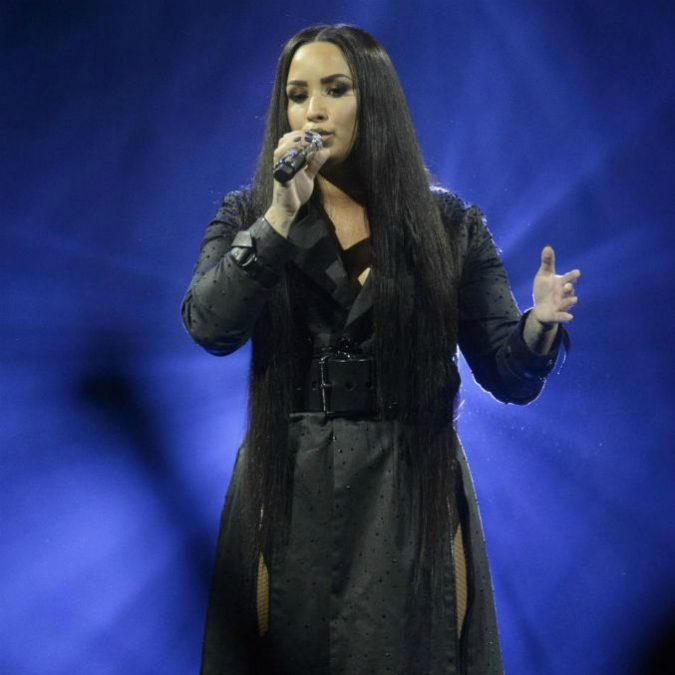 """Demi Lovato resta ricoverata in ospedale: """"Sta ancora molto male, non si sa quando potrà uscire"""""""