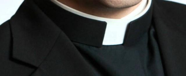 """Venezia, lascia alla Caritas un'offerta per i poveri, ma """"italiani in primis"""". Ma il parroco non gradisce: """"Se la riprenda"""""""
