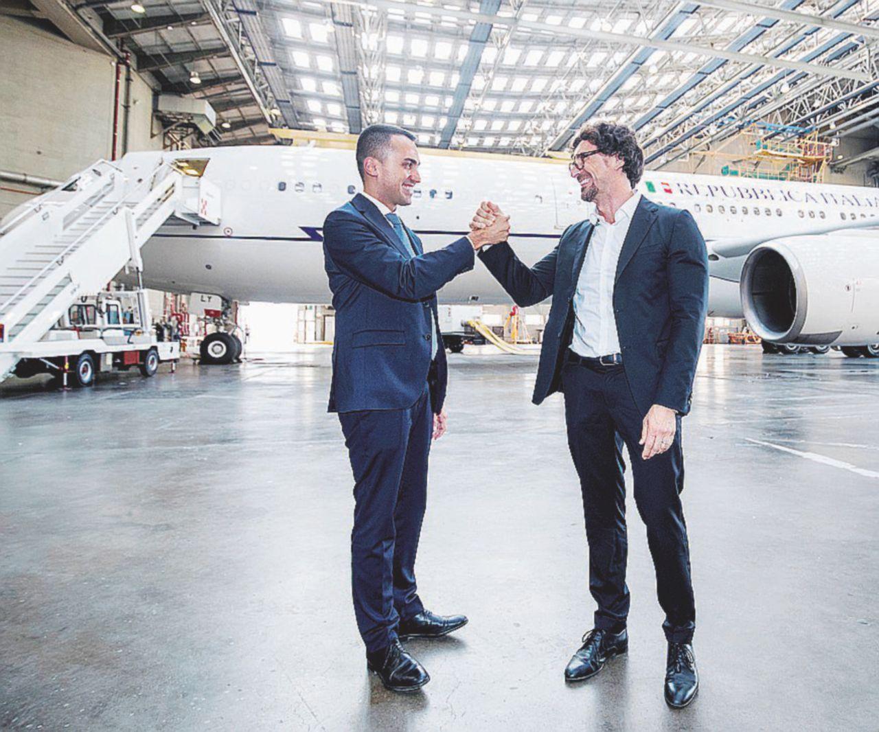 In Edicola sul Fatto Quotidiano del 27 luglio: Addio all'Air Force Renzi: 150 milioni per non volare mai