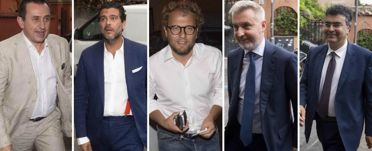 """Renzi, cena in villa sull'Aventino con 120 parlamentari: Colaninno imita Tremonti, senatore-tenore canta """"All'alba vincerò"""""""