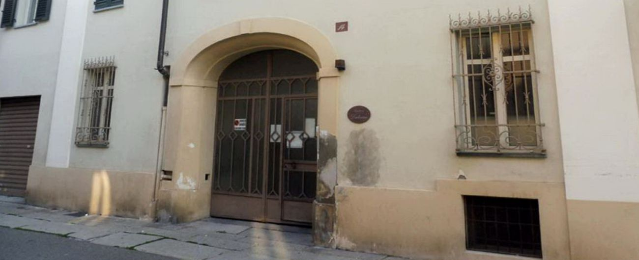 Alessandria, disabile segregata in casa da compagno che le rubava la pensione: denunciato per sequestro e abbandono