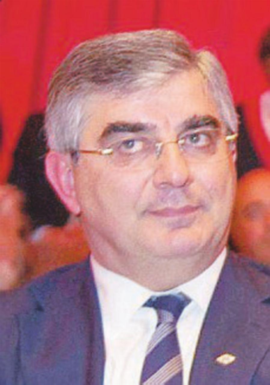 Creato il Comitato: deciderà sul doppio incarico di D'Alfonso