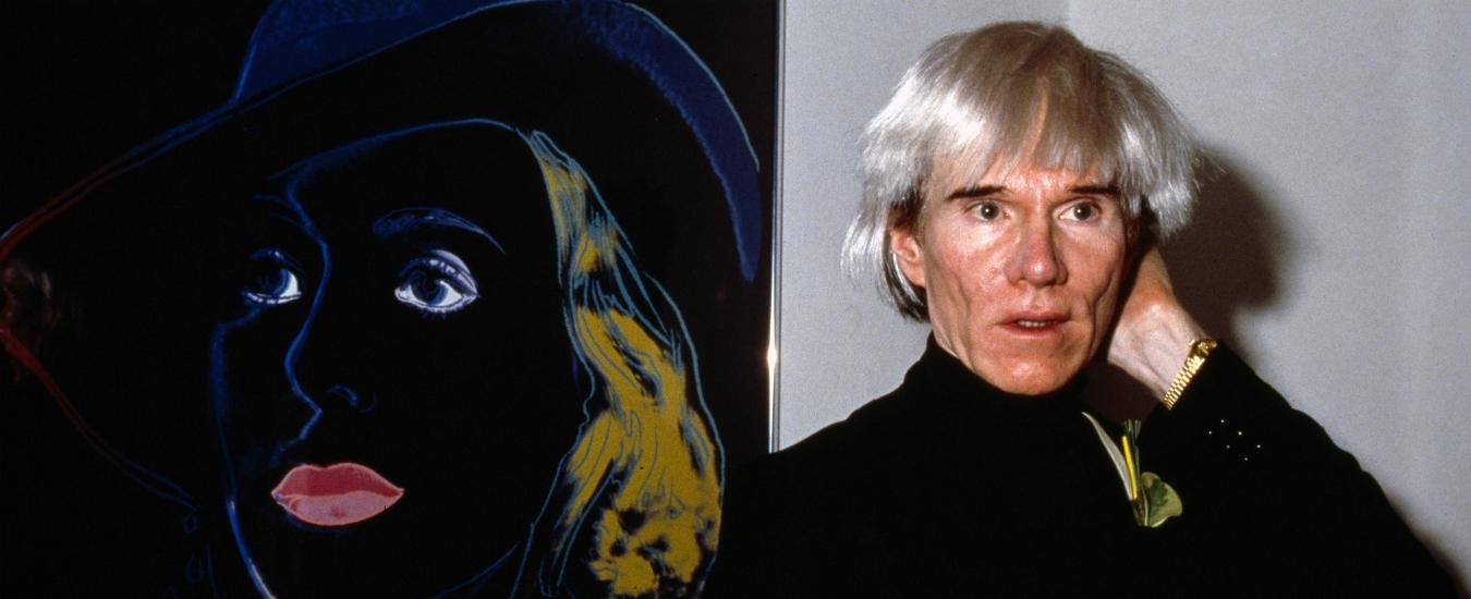 Buon compleanno, Andy Warhol! Sai che il mio sogno è essere intervistato da Magalli?
