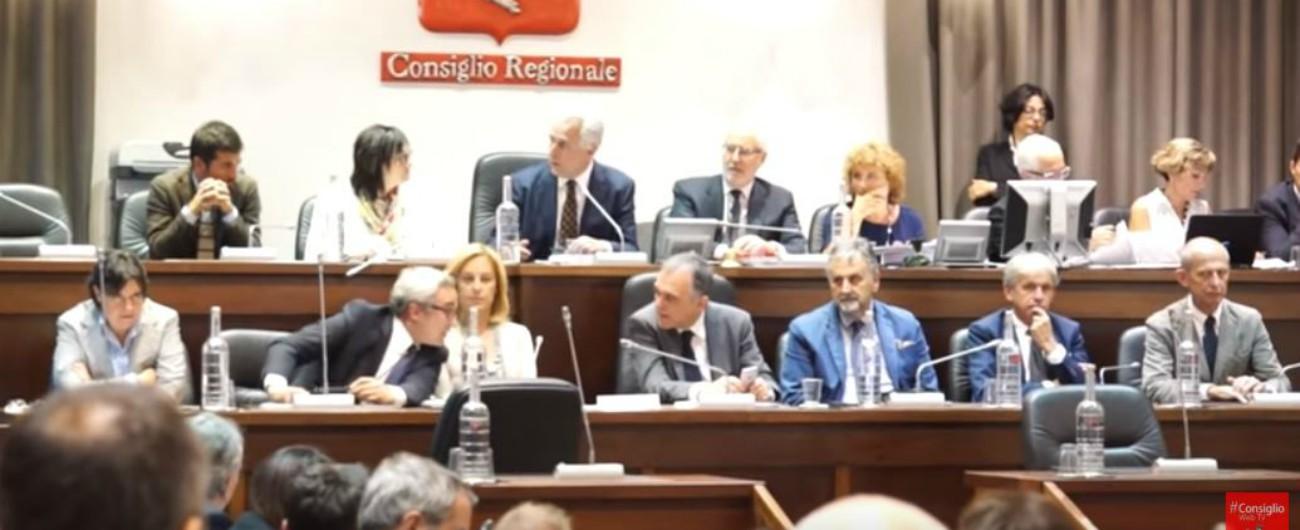 """Vaccini, la Toscana pronta ad """"annullare"""" la decisione del governo: """"Legge per l'obbligo per contrastare calo copertura"""""""