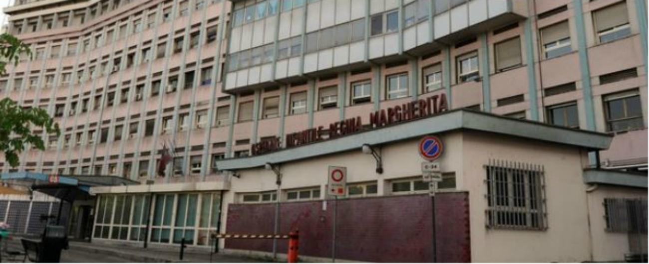 Torino, bambina di dieci anni ricoverata per denutrizione: i genitori la portano via contro il parere medico