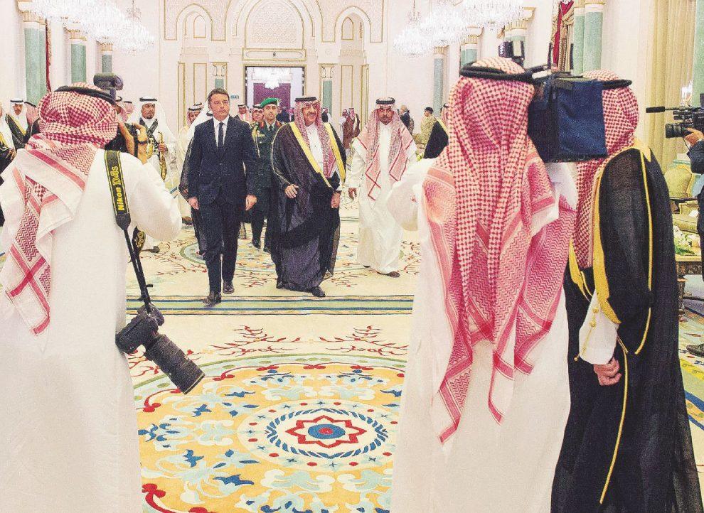Matteo e gli Sceicchi – L'arrivo dell'ex premier Matteo Renzi, e seguito, al palazzo Reale di Ryad – LaPresse