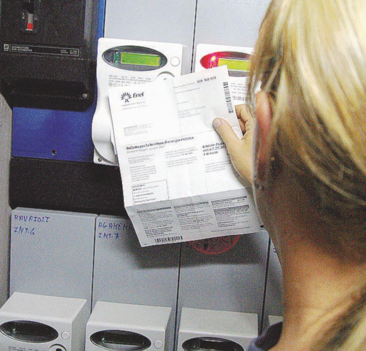 Bollette luce e gas, il decreto Milleproroghe rinvia al 2020 il passaggio al mercato libero