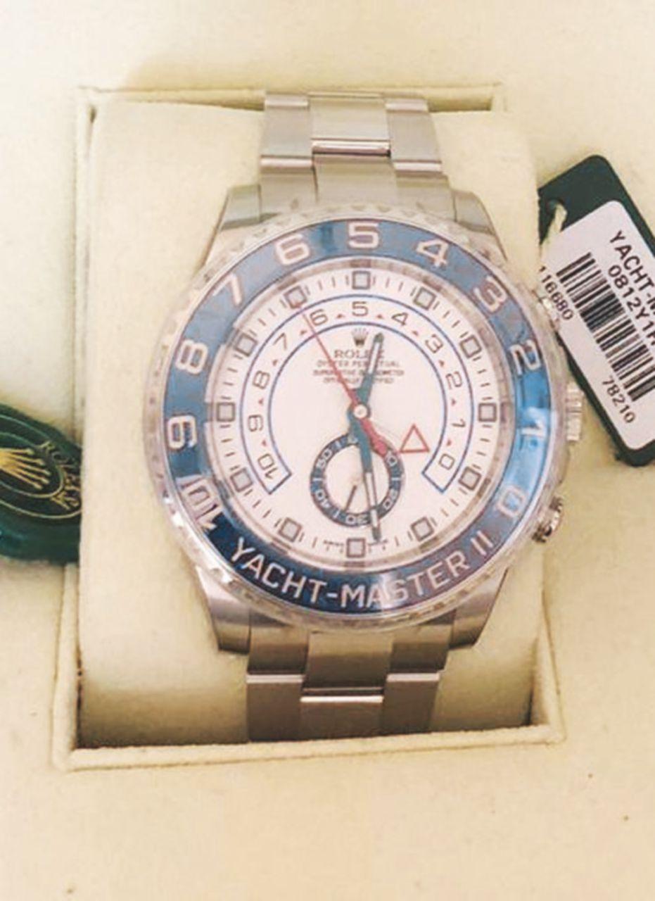 Lusso apicale – Il Rolex Yacht Master, cronografo da 15 mila euro, è il modello regalato ai membri più importanti della delegazione governativa in visita a Ryad nel novembre 2015