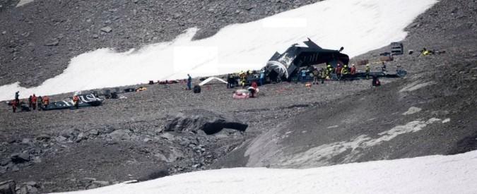 Svizzera, si schianta aereo d'epoca per tour panoramici: venti morti