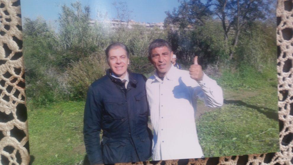 Zorro con l'ex presidente del Municipio VIII Paolo Pace (ex M5S ora in Fdi)