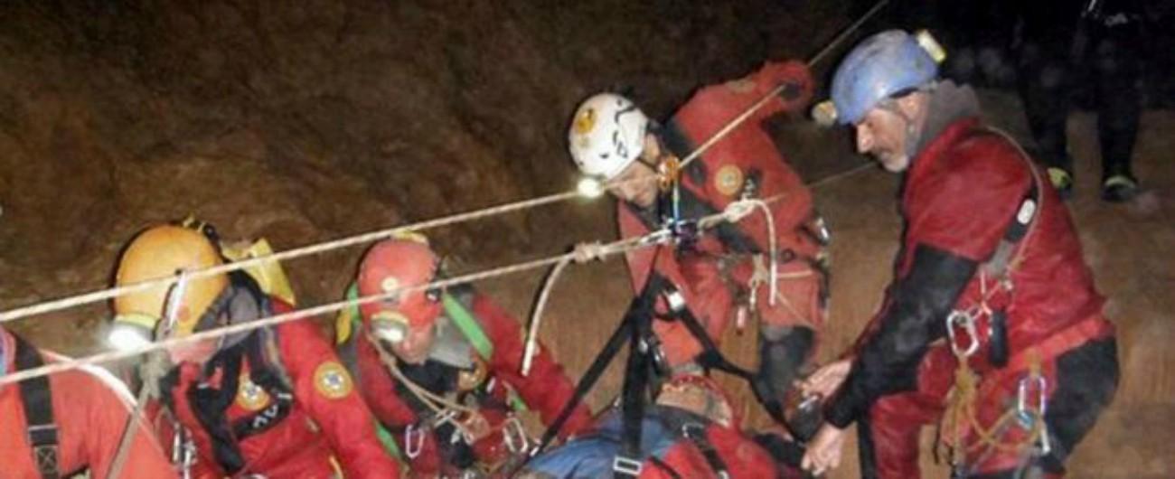 Udine, salvato lo speleologo rimasto intrappolato nella grotta per tre giorni