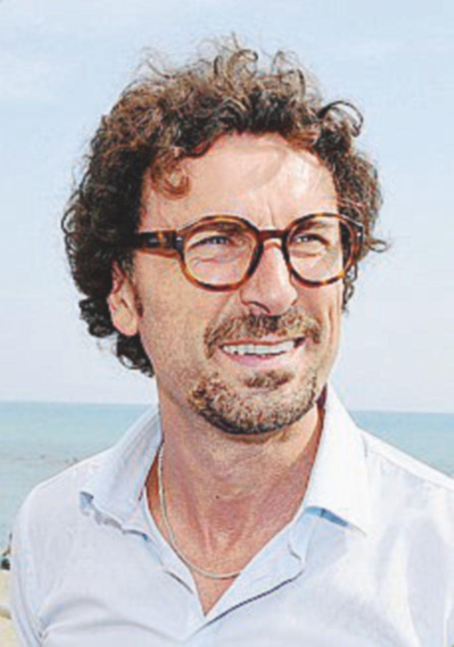 """Toninelli vs Salvini: """"Dire sì al Tav  viola contratto di governo"""""""