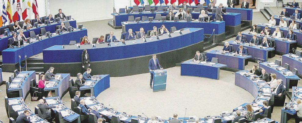 """Cacciari, l'appello agli intellettuali per salvare l'Europa: """"Siamo diversi da Saviano, vogliamo essere pragmatici"""""""