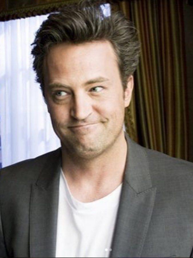 Matthew Perry, l'attore di Friends operato d'urgenza per una perforazione gastrointestinale