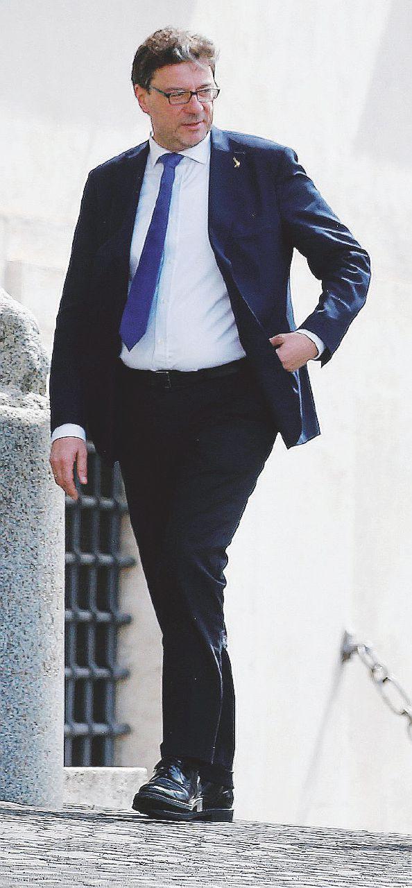 """Periferie, il governo smonta il Bando Renzi: """"Solo mance"""""""