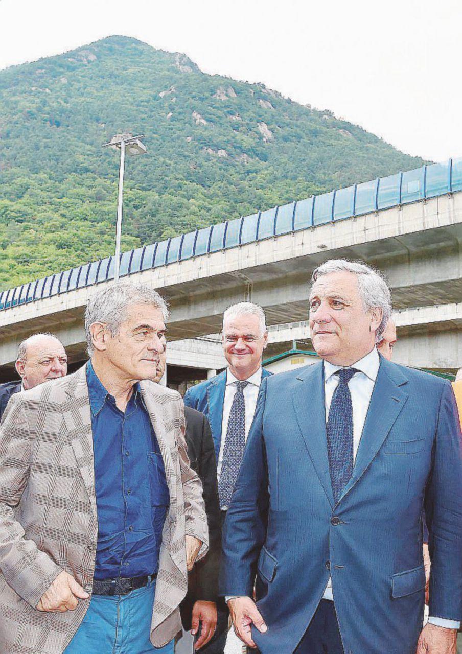 """In Edicola sul Fatto del 9 agosto: """"Calce & Martello"""" B. e Chiamparino nel partito del Tav"""