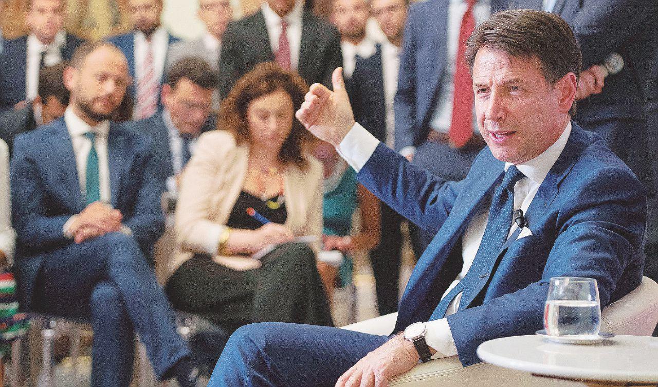 Conte inizia a fare il premier (sotto l'egida di Mattarella)