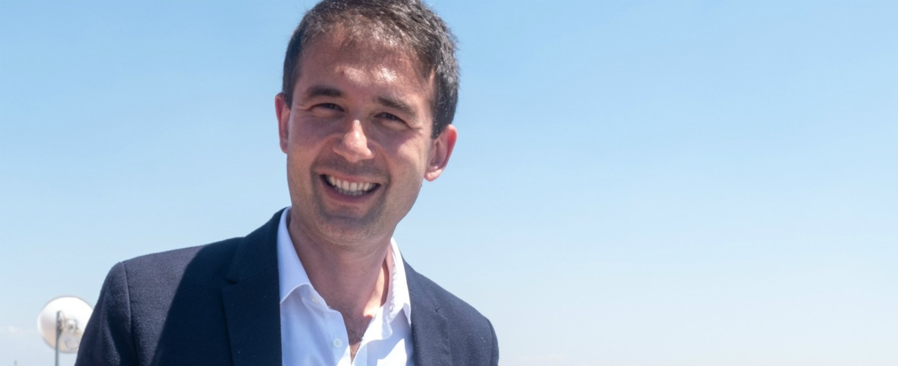 """Gay, il sindaco Fi di Sesto San Giovanni: """"No a registrazione figlio di due donne. Bambino deve avere padre e madre"""""""