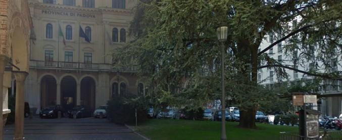 Migranti, rimosso il viceprefetto vicario di Padova: è indagato per la gestione delle strutture di accoglienza