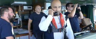 """Migranti, le incomprensioni tra Aquarius e la Guardia costiera libica: """"Mi dispiace non parliamo inglese, solo arabo"""""""