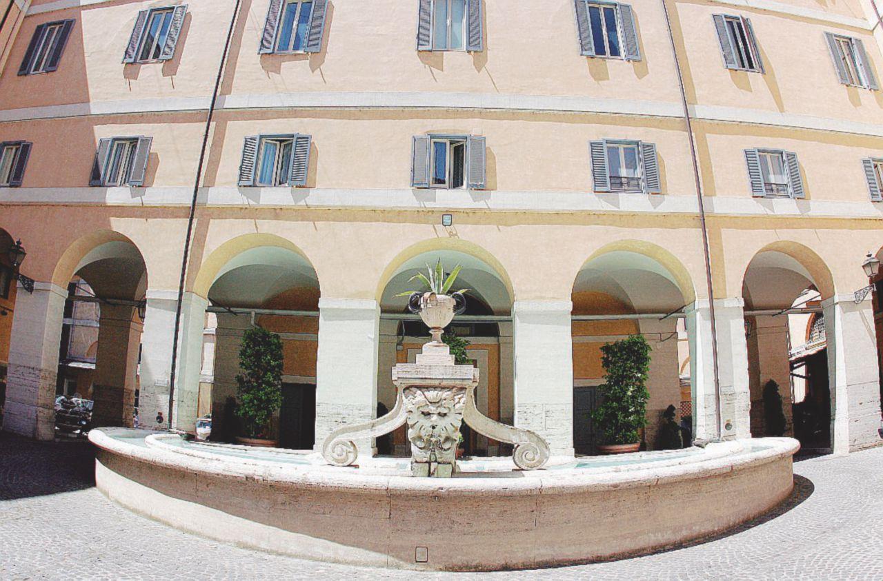 Carabinieri e Polizia: il 70% delle sedi a Roma è in affitto