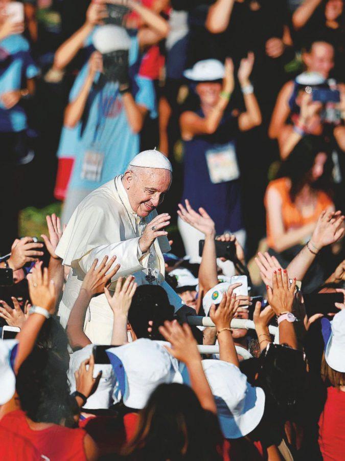 Niente politica per il popolo dei ragazzi di papa Francesco