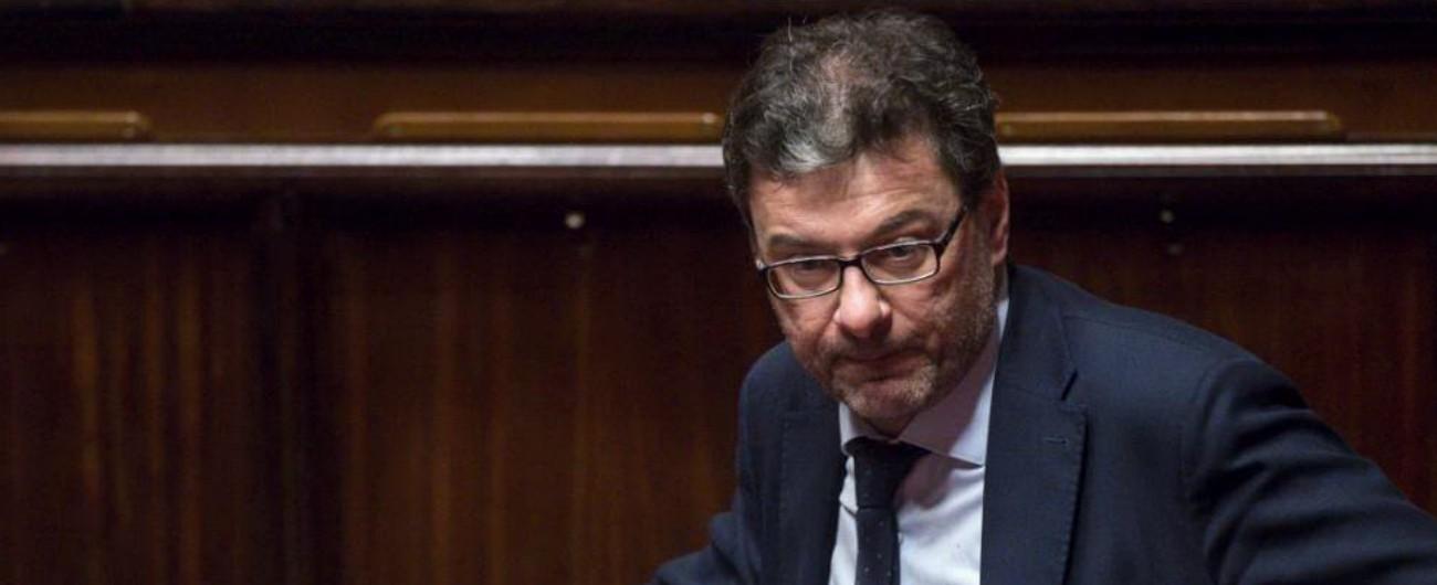 """Pace fiscale, Giorgetti: """"Se si attacca chi tiene in piedi la baracca, il governo non va molto lontano. Si schiantano loro"""""""