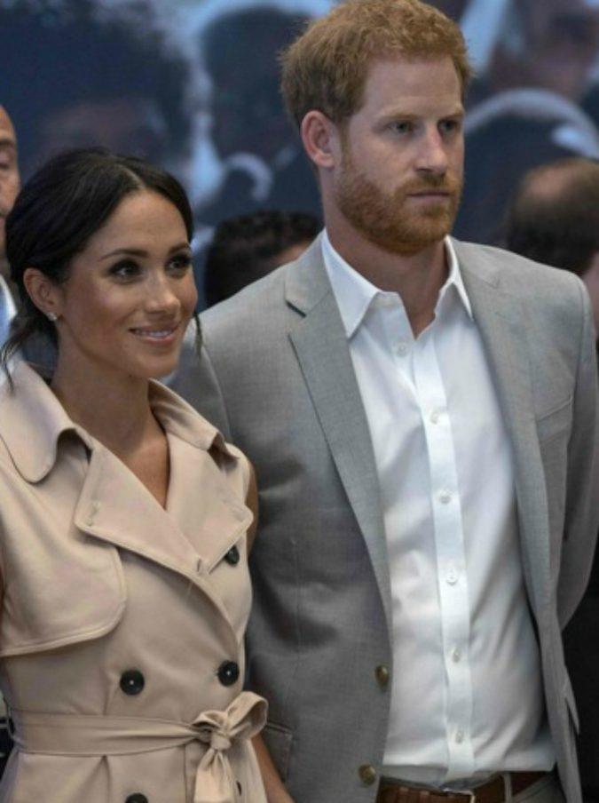 """Meghan Markle, il padre torna a far parlare di sé: """"Ho messo giù il telefono al principe Harry"""""""