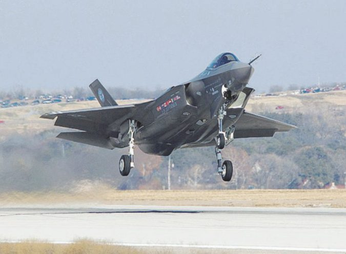 L'hacker si finge donna e ruba i segreti dell'F35