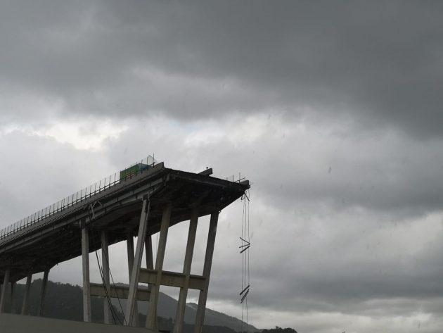 """Genova, crolla ponte Morandi sulla A10: """"Decine di morti"""". 1"""