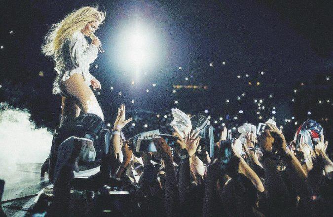 A Roma va bene tutto, ma Beyoncé al Colosseo no
