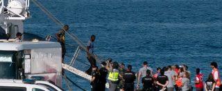 """Migranti, Guardia costiera soccorre nave con 177 persone. Viminale: """"Vadano a Malta o rifiutiamo i 20 dell'Aquarius"""""""