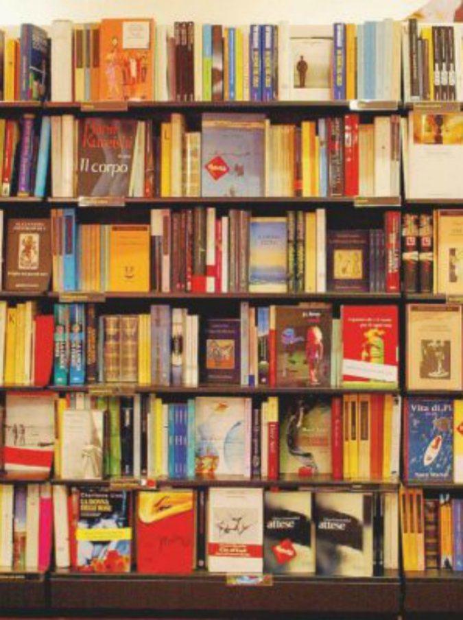 """Amazon, la classifica delle città che comprano più libri online. In vetta anche un romanzo """"autopubblicato"""""""