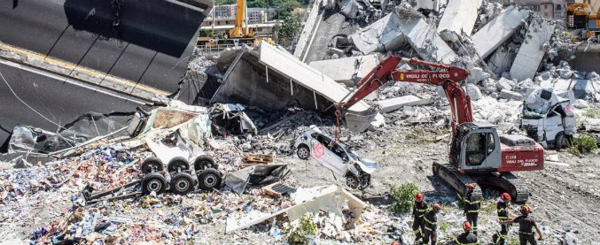 """Ponte Morandi, il procuratore: """"Ancora 10-20 dispersi, continuano le ricerche"""". Sabato i funerali di Stato"""