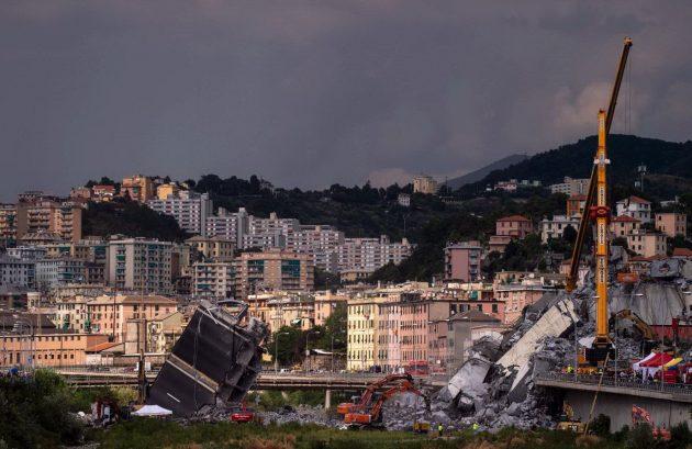 Genova, crollo del ponte Morandi: si scava ancora tra le mac