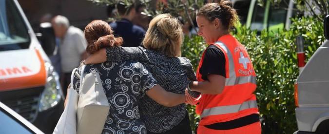 """Ponte Morandi, i familiari di alcune vittime: """"Non vogliamo funerali di Stato, sono una farsa. Non servono passerelle"""""""
