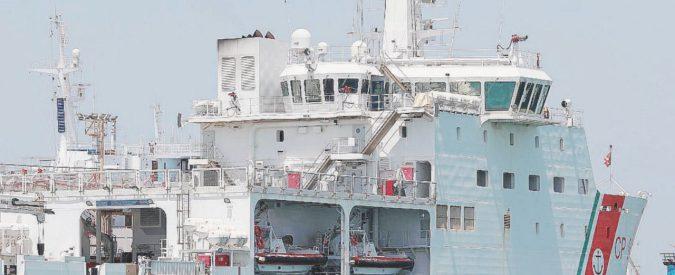 Migranti, la battaglia navale tra Salvini e Guardia Costiera