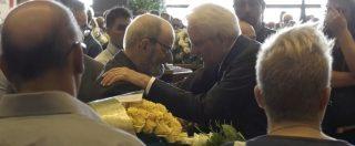Ponte Morandi, l'abbraccio commosso del presidente Mattarella ai parenti delle vittime ai funerali di Stato